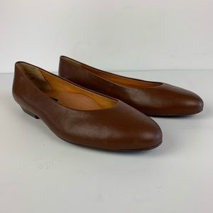 NWOT Shelby Shoes Brown Flats Active Flex Leather
